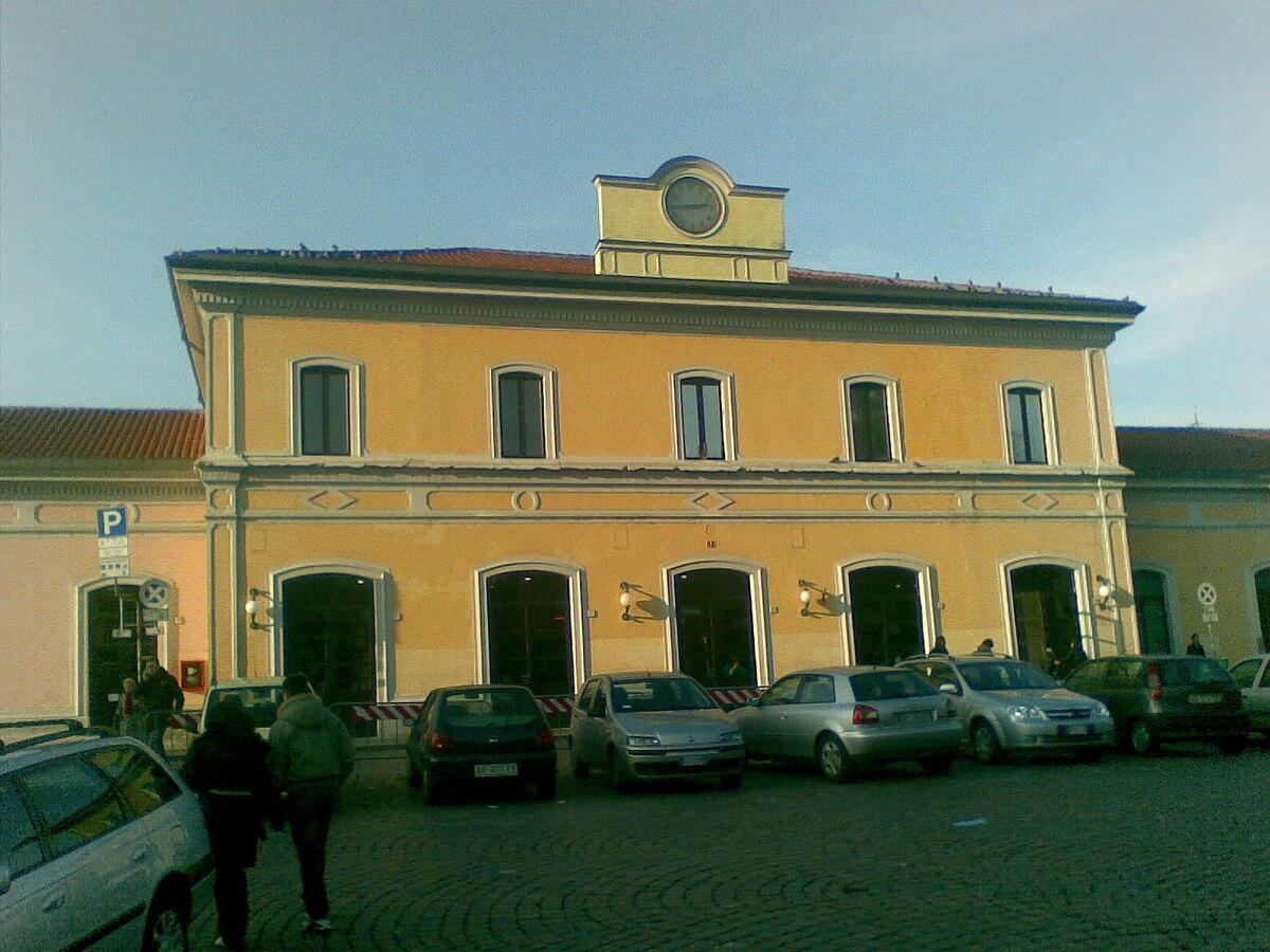 Pavia railway station - Wikipedia