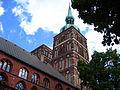 Stralsund Rathaus Nikolaikirche.jpg
