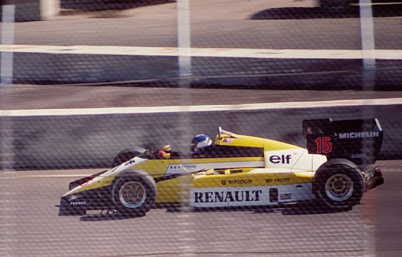 Patrick Tambay sur la Renault RE50 à Dallas