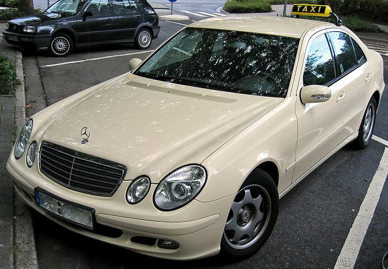 File:Taxi - Mercedes E-Klasse.jpg
