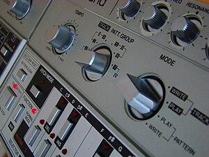 Roland TB-303 - TB-303