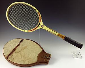 Kan du minnas ett tennisracket? Du kan komma ihåg hur det såg ut, hur det kändes att hålla i handen, hur det doftade, hur det kändes att använda och så vidare…