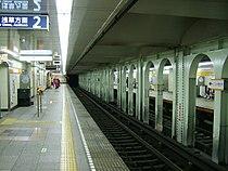 TokyoMetro-G15-Ueno-hirokoji-station-platform.jpg