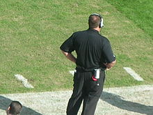 Tom Cable at Falcons at Raiders 11-2-08.JPG