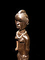 Toma-Statuette anthropomorphe féminine (détail).jpg