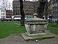 Tomb in Altab Ali Park - geograph.org.uk - 1281867.jpg