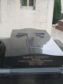 Tombe Dassault.JPG