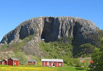 Brønnøy - Torghatten seen from the south