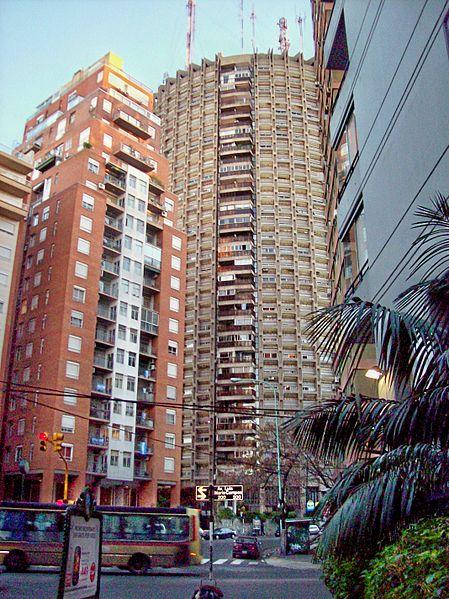 Archivo:Torre Dorrego Edificio redondo.jpg