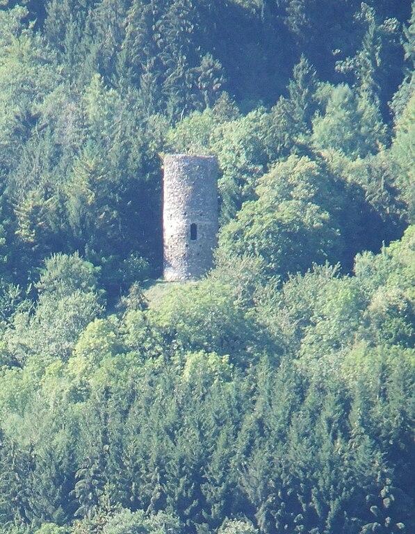 Fichier:Tour d'Aquin (Saint-Pierre-d'Allevard).JPG