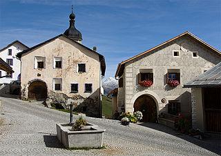 Former municipality of Switzerland in Graubünden