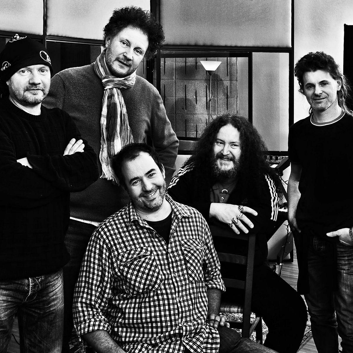 Banded Bands: Twenty Four Hours (band)