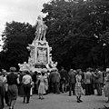 USIS - Mozartdenkmal Burggarten 3.jpg