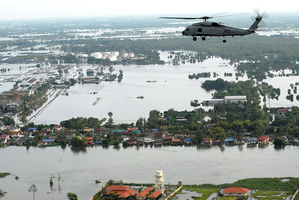 US Navy 111022-N-WW409-445 An SH-60F Sea Hawk helicopter assigned to Helicopter Anti-Submarine Squadron (HS) 14, flies around the Bangkok area with
