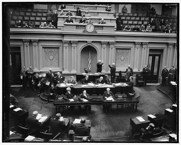 US Senator Elmer Thomas takes oath, 1939.jpg