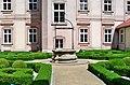 Urszulanki rzymskie wrocław ogród.jpg