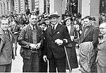 V cíli 1000 mil čsl., zleva A. Kumpera (GŘ), J. Knapp, V. Kumpera (prezident fy.), K.Vojíř (1934).jpg