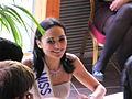 Valérie Bègue signat des autographe à l'hipodrome de pau le 13 janvier 2008 vue 5.JPG