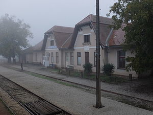 Veliko Trgovišće - Railway station Veliko Trgovišće is located on R201 route.