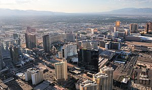 Las Vegas Valley - Image: View of Las Vegas' strip from the helicopter