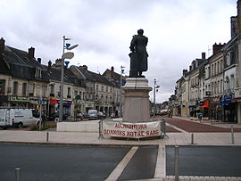 Main square with a statue of Alexandre Dumas.