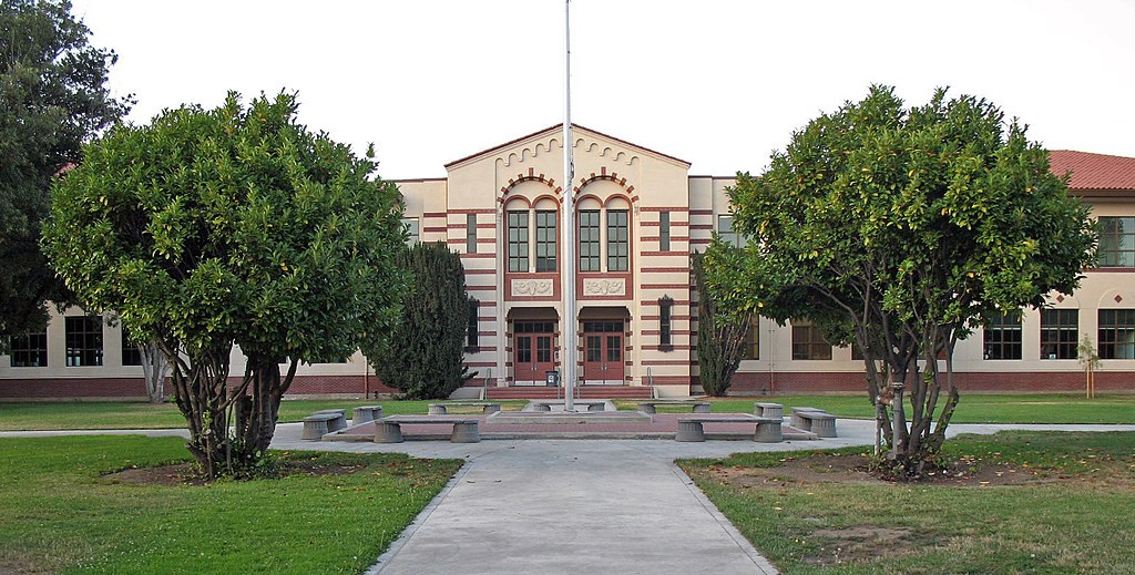 fremont unified school district fremont unified 1 review of fremont unified school district i'm currently a senior in high school i have all the credits need to graduate early so i could work full time to pay for college, but i'm not allowed to graduate early because i'm worth $56 every day i.