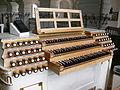 Weissenau Holzhey-Orgel Spieltisch 2.jpg