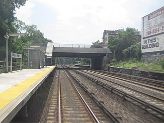 Williams Bridge station - Southbound view of the Gun Hill Road Bridge over Williams Bridge station