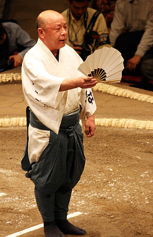 Yobidashi - Hideo, tate-yobidashi as of the May 2008 tournament