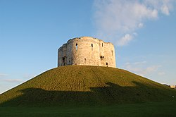 York Castle Clifford's Tower 2007.jpg