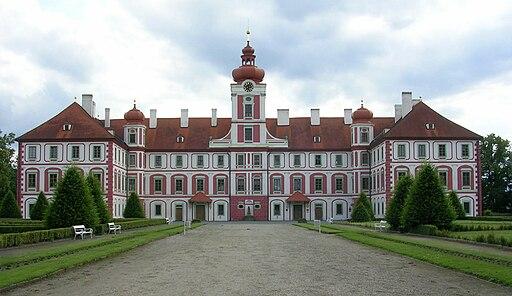 Zámek Mnichovo Hradiště (00)