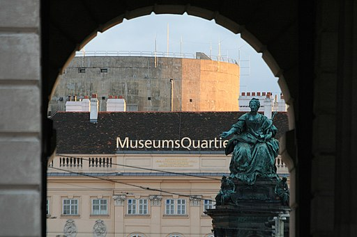 Äußeres Burgtor, Maria-Theresien-Denkmal, MuseumsQuartier,Stiftsbunker Wien 2011