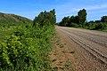 Дорога в юго-восточном направлении вдоль хребта Карамурунтау - panoramio.jpg