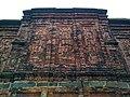 বাঘা মসজিদের পেছনের দেয়ালে পোড়া মাটির ফলক.jpg