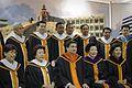 นายกรัฐมนตรี เข้ารับพระราชทานปริญญาปรัชญาดุษฎีบัณฑิตกิ - Flickr - Abhisit Vejjajiva (3).jpg