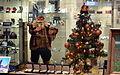 02014 Weihnachtsschaufenster in Sanok.JPG