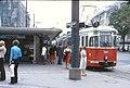 071L28220880 Strassenbahn, Schottenring, Haltestelle Schottentor, Strassenbahn Linie T, Typ L 569.jpg