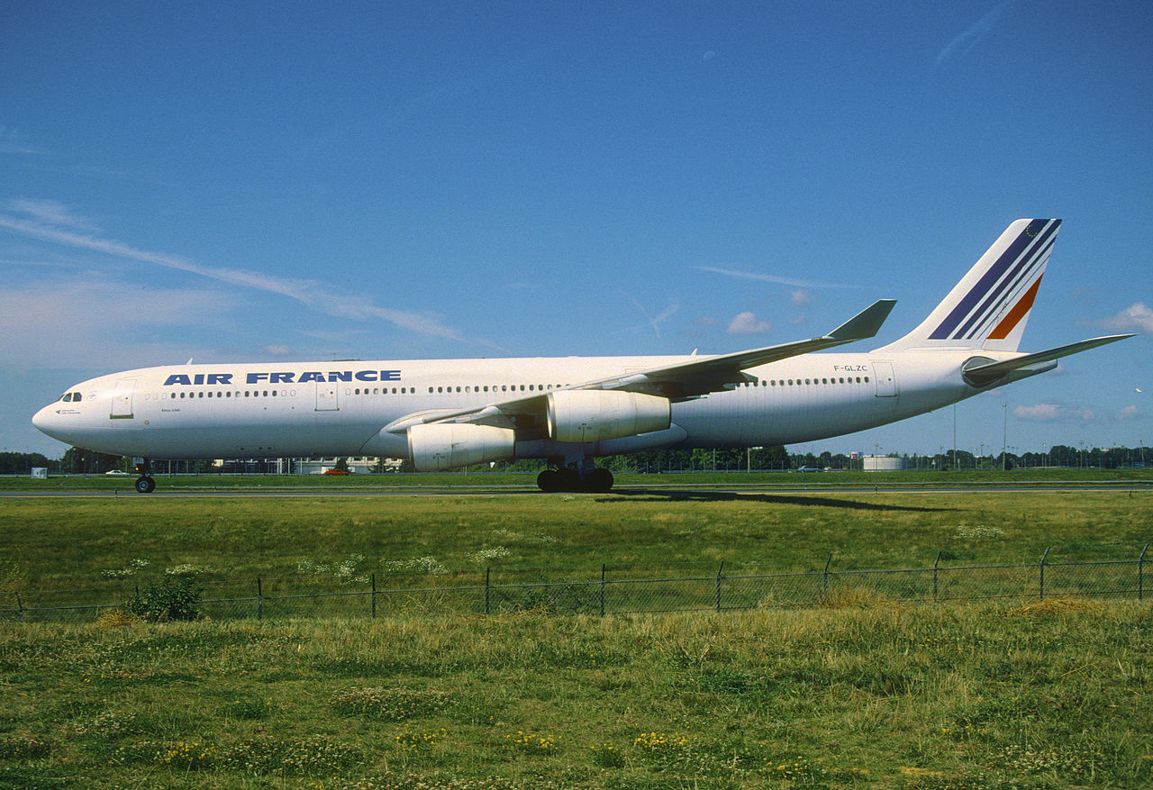 file 145gc air france airbus a340 300 f glzc cdg 8272138124 jpg wikimedia commons. Black Bedroom Furniture Sets. Home Design Ideas