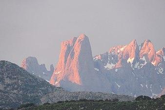 170516-3788-Montanya Màgica-Naranjo de Bulnes.jpg