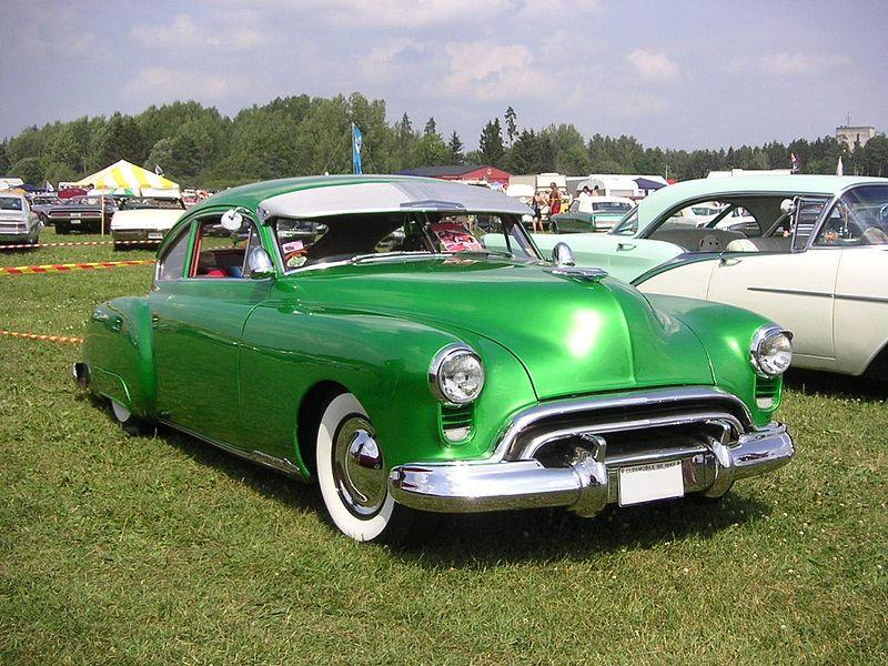 Der Oldsmobile 98 800px-1949_Oldsmobile_98
