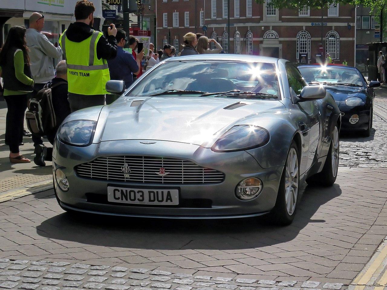 File 2003 Aston Martin V12 Vanquish 5935 Cc 5935 Cc At Horsham English Festival 2018 Jpg Wikimedia Commons