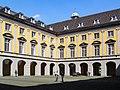 2004-04-16-bonn-universitaet-aussenansicht-arkadenhof-01.jpg