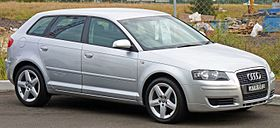 2005 Audi A3 (8PA) 1.6 Attraction 5-door Sportback 01.jpg