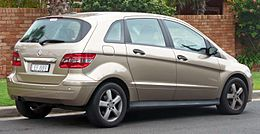 2007 Mercedes-Benz B 180 CDI (W 245 MY07) hatchback (2010-06-17) 02.jpg