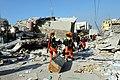 2010년 중앙119구조단 아이티 지진 국제출동100118 중앙은행 수색재개 및 기숙사 수색활동 (97).jpg