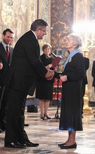 Wisława Szymborska - Wisława Szymborska and President Bronisław Komorowski at the Order of the White Eagle award ceremony