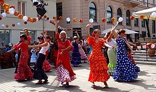 20140830 folk dancing (15128373715).jpg