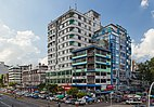 2016 Rangun, Budynek na skrzyżowaniu ulic- Maha Bandula Road i 32nd Street.jpg