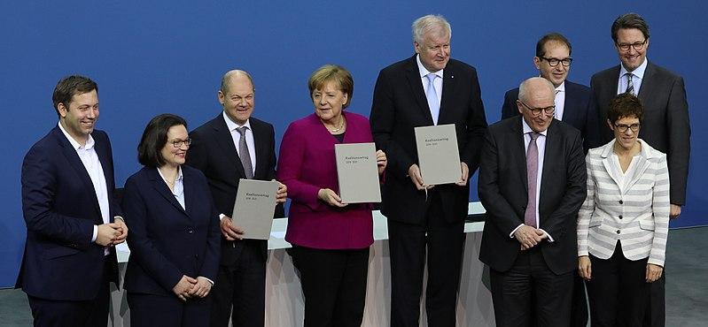 Datei:2018-03-12 Unterzeichnung des Koalitionsvertrages der 19. Wahlperiode des Bundestages by Sandro Halank–001.jpg