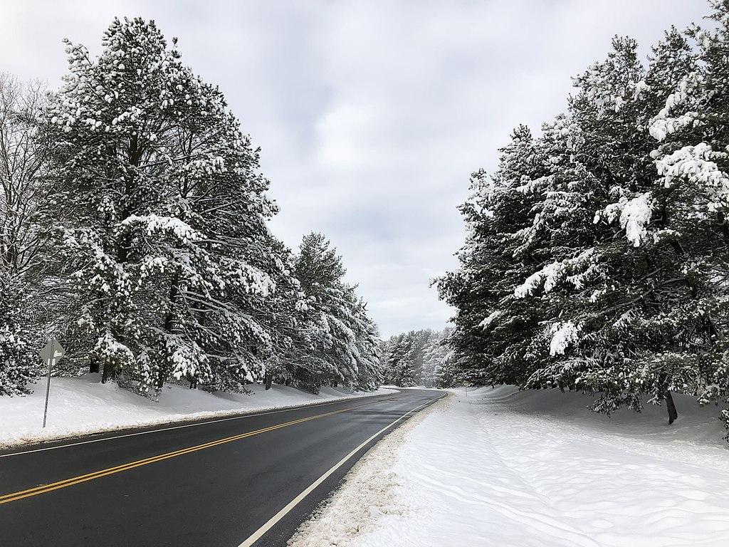 File:2019-01-14 10 00 42 View west along Franklin Farm ...